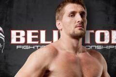 Два россиянина Волков и Минаков поспорят за титул чемпиона американской организации Bellator