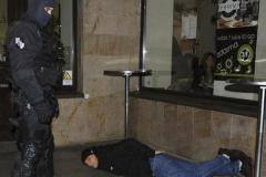 Фанаты ЦСКА устроили беспорядки перед матчем с «Викторией» и попали в полицию