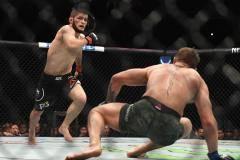 Олег Тактаров: Если выгодно, UFC лишит Хабиба пояса за потасовку