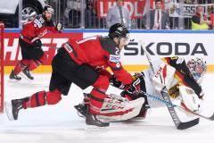 Канада вышла на Россию, шведы – на финнов, а Ломбертс прощается с «Зенитом». Главные новости утра