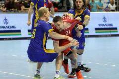 Нашим кричали «Стоять!» Гандбольная сборная дебютировала в Петербурге