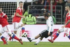 «Испания на уровень выше Аргентины». Сборная России - после встречи с Месси