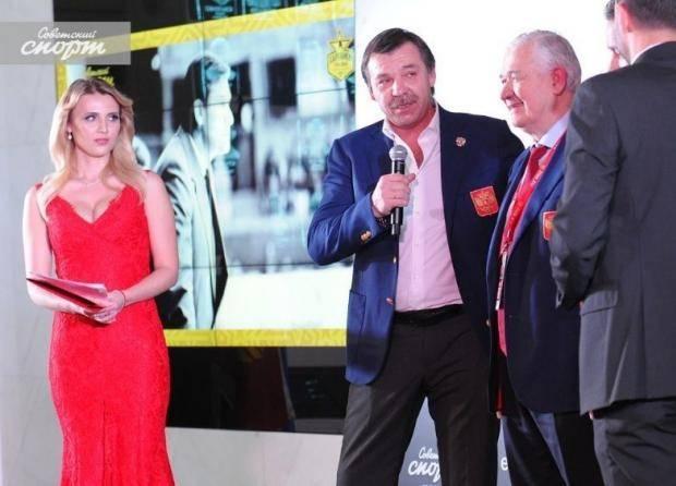 Олег Знарок: Играй у меня Харламов, я бы в раздевалке во время матча кофе пил