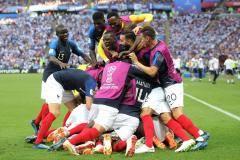 Сборная Франции обыграла Аргентину и вышла в четвертьфинал чемпионата мира