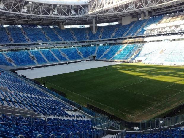 Стало ли лучше поле на новом стадионе в Петербурге? [фото, видео]