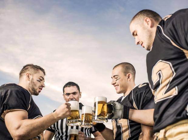 Еще по одной: как в американском футболе водка обыгрывает пиво