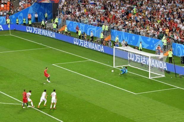 Россия в 1/8 финала вышла на Испанию, Уругвай - на Португалию. Хронология дня