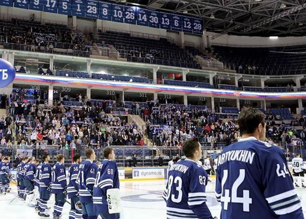 Слава Богу, канадцы на матч не пришли! Их бы огорошили пустые трибуны в Москве