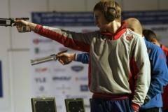 Последний шанс. Российские стрелки начали борьбу задве олимпийские лицензии