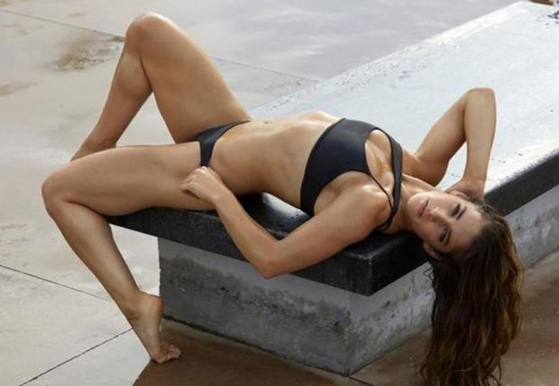 Девушка дня. Откровенная фотосессия гимнастки Александры Райсман