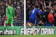 «МЮ» потерял уверенность после гола Мораты». Невилл – о поражении от «Челси»