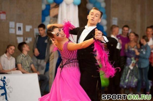 На чемпионате и первенстве Омской области по танцевальному спорту соберутся около 400 пар всех возрастов