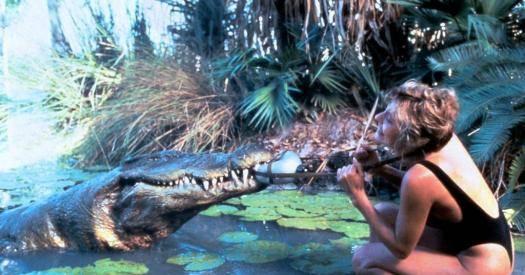 Крокодил укусил за руку, снится к тому, что наяву вам грозят неприятности, справиться с которыми в одиночку невозможно.