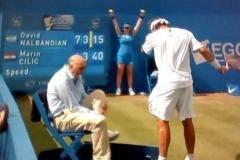 Налбандян дисквалифицирован с финала турнира в Лондоне за нанесение травмы линейному судье