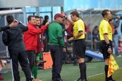 Песеты наветер? Испанский тренер «Рубина» показал арбитру Егорову «денежный» жест, повлекший удаление