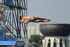 «Разбежавшись, прыгну со скалы…» Мужчины в хай-дайвинге разыграют медали