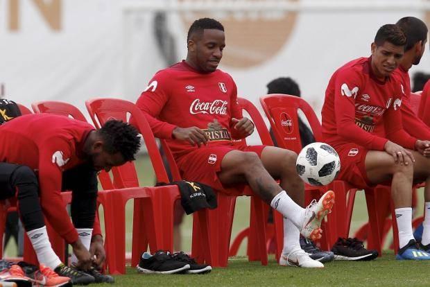 Участники ЧМ-2018. Перу: Марадона, наркотики
