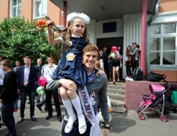 У чемпиона Европы Митрюшкина -- последний звонок в школе [ФОТО, ВИДЕО]