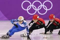 «Флаг на ботинке закрашивали лаком для ногтей». Как россияне выживали в Корее