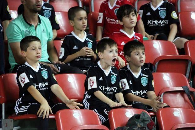 Студентов сгоняли на матчи «Ахмата» под угрозой отчисления?