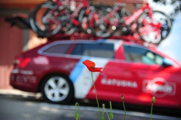 «Что помогает проехать 200 км по горам? Макароны!» Гонщики «Катюши» – о «Джиро» - «Велоспорт»