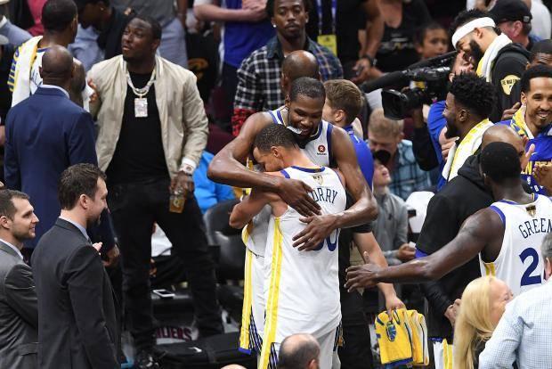 «Голден Стэйт» обыграл «Кливленд» и стал чемпионом НБА