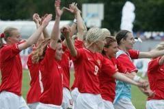Россия начала спобеды. Женская сборная России вчера выиграла свой первый матч на чемпионате Европы