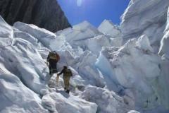 Российских альпинистов, готовых полететь на спасательные работы в Непал, уже больше сотни