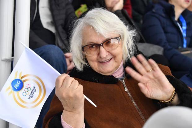 «Ты выступаешь. Делай, что должна!» Бабушка Евгении Медведевой – о внучке