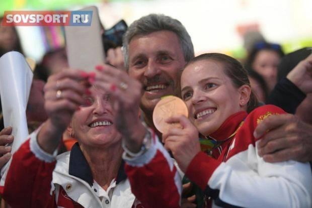 Мама и тренер Дьяченко: Берем тайм-аут, Кате нужно родить ребеночка!