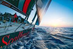«Лучше сломать ноги, чем шею». Репортаж cо старта регаты Volvo Ocean Race