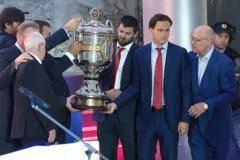 «Кубок России – главный хоккейный кубок в нашей стране!» Как ЦСКА чествовали в Кремле (видео)