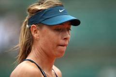 Маша – вслед за Дашей. Шарапова проиграла в четвертьфинале в Париже