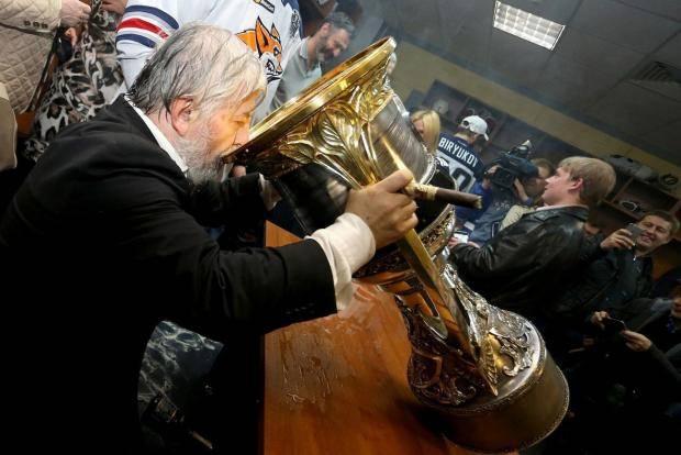 Каких хоккеистов ждет «Магнитка» из НХЛ? Интервью руководителя клуба