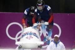 Зубков и Воевода продолжают лидировать после второго заезда на Олимпиаде в Сочи