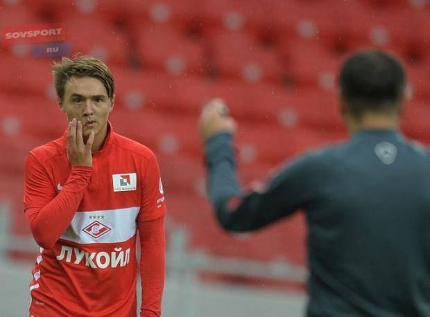 Фанаты «Зенита» вновь недовольны Быстровым