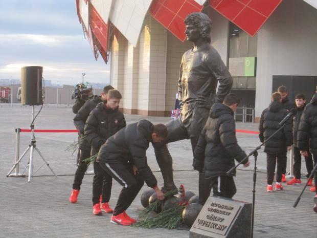 «Он вкладывал душу...». Как открывали памятник Федору Черенкову (Фото)