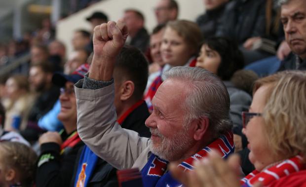 «Кокорин и Мамаев – что о них думают мужики на хоккее?» Репортаж из Москвы