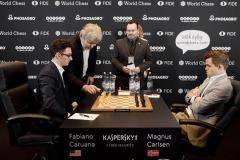«Карлсен и Каруана как боксеры-тяжеловесы, боящиеся пропустить мощный удар»