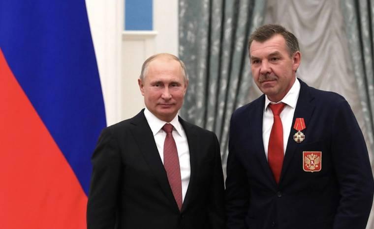 Олег Знарок вернулся в сборную России. Пока как консультант – но что дальше?