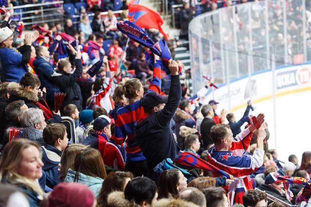 Хоккейный ЦСКА вводит санкции против своих болельщиков. За что и почему?