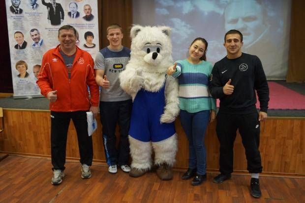 В школах Красноярска продолжаются уроки в честь Ивана Ярыгина