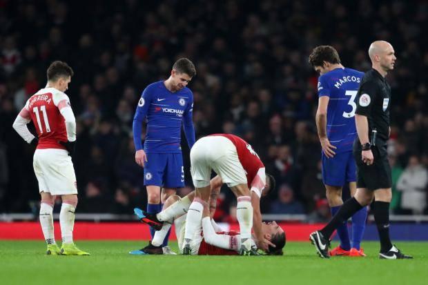 «Арсенал» – «Челси»: Бельерин покинул поле на носилках (видео)