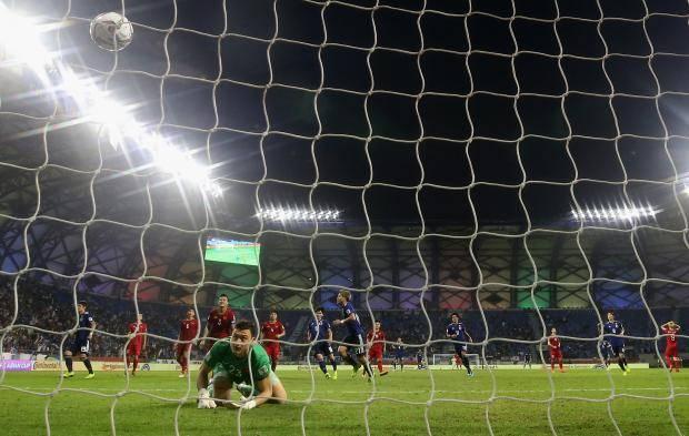 Экс-спартаковец пропустил только с пенальти. Вьетнам слабее Японии в ¼ Кубка Азии