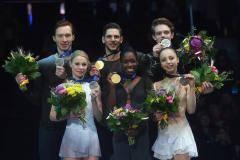 У России сразу две медали на ЧЕ. Но это не самое крутое из того, что произошло