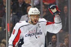 Овечкин побил рекорд Федорова в НХЛ. Как они шли к рекорду по сезонам