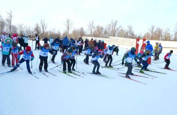 Состоялись соревнования по лыжным гонкам среди спортивных семей на призы Главы Чувашии