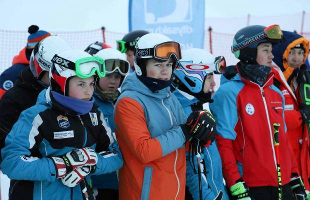 Областные чемпионат и первенство по горнолыжному спорту собрали свыше 50 участников
