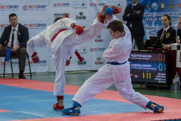 Омичи выиграли 50 наград на всероссийских и межрегиональных турнирах по каратэ