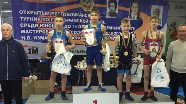 11 борцов Альметьевска выступили в Республиканском турнире по греко-римской борьбе